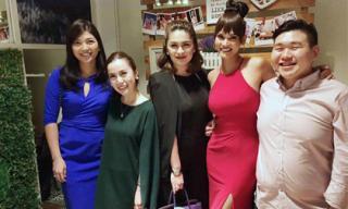 Hoa hậu Hoàn vũ Pia hưng phấn mừng sinh nhật 27 tuổi bên bạn bè