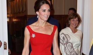 Công nương Kate lộ thân hình gầy gò với váy giá gần 40 triệu đồng