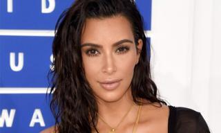 17 triệu đồng cho 10 phút trang điểm của Kim Kardashian