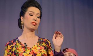 Trịnh Kim Chi 'xấu xuất sắc' tung hoành vở diễn mới