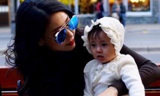 Hoa hậu Hà Kiều Anh và con gái đẹp mơ màng giữa mùa thu Canada