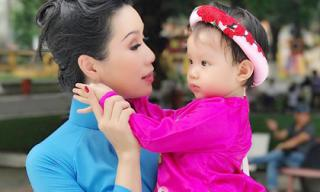 Mẹ con Trịnh Kim Chi xúng xính diện áo dài đón Tết