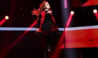 Hotgirl làm 'bùng nổ' sân khấu The Voice với hit 'khủng' của Hồ Ngọc Hà