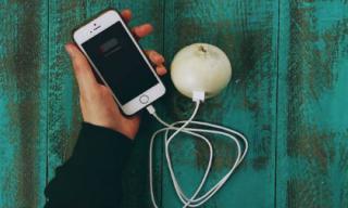 Sạc pin điện thoại bằng củ hành tây bạn đã thử chưa?
