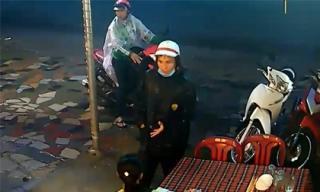 Băng nhóm dàn cảnh, trộm xe trong nháy mắt ở Sài Gòn