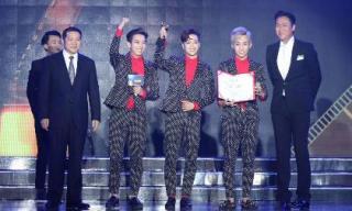 'Mất tích' ở Việt Nam, HKT bất ngờ nhận được giải thưởng danh giá nhất tại LHP Trung Quốc