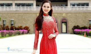 Tân Hoa hậu Sắc đẹp Việt Toàn cầu Bùi Như Ý đẹp nền nã trong chiếc áo dài ở Đài Loan