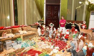 Đàm Vĩnh Hưng 'chơi lớn' trang trí hoành tráng lộng lẫy cho biệt thự triệu đô đón Noel 2017