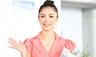 Cựu Hoa hậu Hoàn vũ Riyo Mori đẹp dịu dàng ngày đến Việt Nam