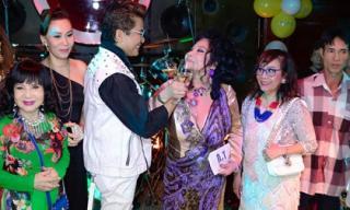 MC Thanh Bạch khẳng định vẫn sẽ tổ chức hôn lễ với Thúy Nga dù đã cưới đến 9 lần