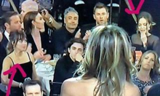 Khoảnh khắc bối rối khi Angelina Jolie và Jennifer Aniston 'đụng độ' tại Quả Cầu Vàng