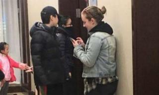 Châu Tấn công khai hẹn hò con gái Vương Phi dịp đầu năm mới tại quê nhà