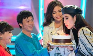 Á hậu Hoàng Thùy bất ngờ nhận được quà sinh nhật sớm từ Mâu Thủy, Hoài Linh và Việt Hương