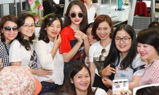 Hương Giang rạng rỡ trong vòng vây fan hâm mộ tại sân bay Thái Lan