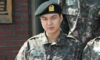 Bất chấp chuyện người yêu cũ có tình mới, Lee Min Ho vẫn béo đến sưng mặt trong quân ngũ