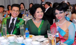 NTK Quỳnh Paris cùng Thanh Bạch - Thúy Nga Paris tham dự sự kiện vinh danh Bông Hồng Quyền Lực