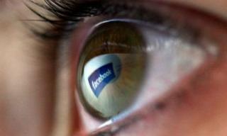 Cha mẹ nên cấm con nhỏ dưới 12 tuổi dùng mạng xã hội