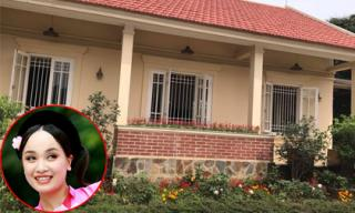 'Thị Mầu' Thu Huyền khoe không gian nhà vườn rộng bao la, tràn ngập hoa thơm cỏ lạ