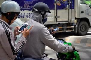 Những kiểu người dùng điện thoại bị cho là mất lịch sự, luôn khiến người khác khó chịu
