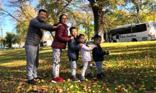Vợ chồng Ốc Thanh Vân đưa các con đi tận hưởng không khí lạnh ở Úc