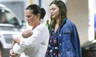 Miranda Kerr lần đầu lộ diện sau 1 tháng sinh con trai cho chồng tỷ phú