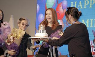 Minh Hằng xúc động khi được chúc mừng sinh nhật sớm trong ngày trở thành đại sứ kênh truyền hình quốc tế