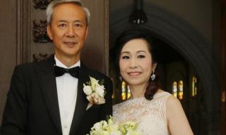 Tài tử 'Lộc Đỉnh Ký' hạnh phúc tổ chức hôn lễ ở tuổi 63, dàn sao TVB nô nức tới dự