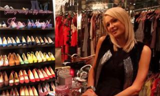 BST giày 'khủng' nằm trong phòng chứa quần áo trị giá 23 tỷ đồng của Paris Hilton