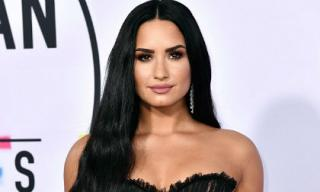 Trở về từ 'cõi chết', Demi Lovato thừa nhận vẫn phải đấu tranh với chứng nghiện ngập
