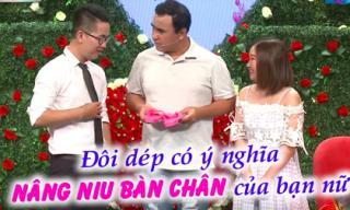 Bạn muốn hẹn hò: Hâm mộ Quyền Linh, chàng trai mang dép tổ ong hồng 'tỏ tình' bạn gái