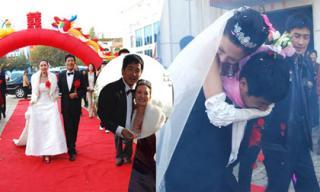 Hôn lễ kỳ lạ nhất Cbiz: Cô dâu tự mua nhẫn cưới, khách mời chỉ mừng hơn 30 nghìn đồng đã được ăn uống tẹt ga