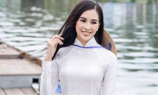 Trọn vẹn vẻ đẹp mộc mạc của Hoa hậu Trần Tiểu Vy trong bộ ảnh áo dài chụp tại Hội An