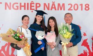 Á hậu Thùy Dung được gia đình đến chúc mừng trong ngày nhận bằng Tốt nghiệp Đại học