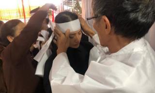 Sao Việt chia buồn khi mẹ Yaya Trương Nhi qua đời vì bệnh ung thư