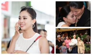 Loạt khoảnh khắc đẹp như thiên thần của Tân Hoa hậu Trần Tiểu Vy bên người thân ngày trở về