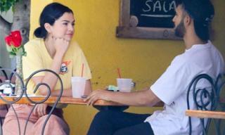 Mặc kệ Justin Bieber cưới hỏi, Selena Gomez vẫn xinh đẹp đi ăn cùng trai lạ và còn nhìn nhau đầy tình tứ