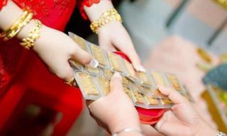 Vàng đeo không xuể trong đám cưới, vợ chồng trẻ vẫn cãi nhau kịch liệt vì đòi hỏi vô lý của cô dâu