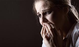 Đêm nào chồng cũng về trễ, tôi tưởng anh ngoại tình, cho đến khi sự thật hé lộ, tôi chỉ biết ôm anh khóc nức nở