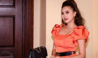 Á hậu Ngô Hồng Tâm rạng rỡ tại họp báo ra mắt MV của ca sĩ Quang Hà
