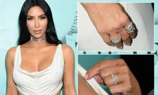 Kim Kardashian diện váy táo bạo, khoe loạt trang sức đắt tiền sau hai năm bị cướp ở Paris