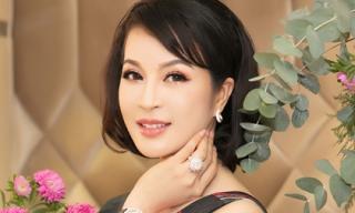 MC Thanh Mai bị trật chân vẫn cố gắng tổ chức sự kiện