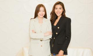 Minh Tú cùng Hoa hậu Hải Dương bàn chiến lược chinh phục vương miện Hoa hậu Siêu quốc gia 2018