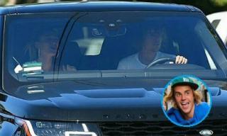 Justin Bieber không hề buồn, ngược lại còn vui vẻ ca hát với Hailey Baldwin trong khi Selena đi điều trị bệnh tâm thần