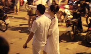 Á hậu Thanh Tú diện đồ giản dị xuất hiện cùng chồng ngay sau hôn lễ vài giờ