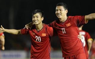 Đội bóng Thái Lan phát cuồng vì 'song Đức' sau màn 'xé lưới' Philippines của ĐT Việt Nam
