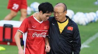 Văn Toàn thông báo tin buồn đến các fan nữ trước trận gặp Philippines