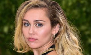 Hết mất nhà vì cháy rừng, Miley Cyrus lại bị kẻ trộm cuỗm tài sản hàng trăm triệu đồng