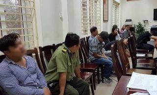 Nhóm 'phe vé' bị bắt giữ, thu hàng trăm vé trận đấu của Việt Nam vs Philippines, có cả nhân viên bảo vệ VFF