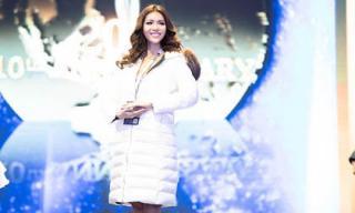 Minh Tú nổi bật trên sân khấu tổng duyệt chung kết Miss Supranational 2018