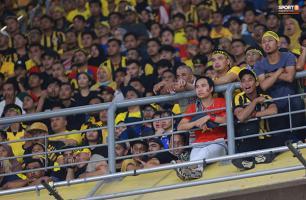 CĐV Việt Nam dũng cảm nhất ở trận chung kết AFF Cup 2018 lượt đi